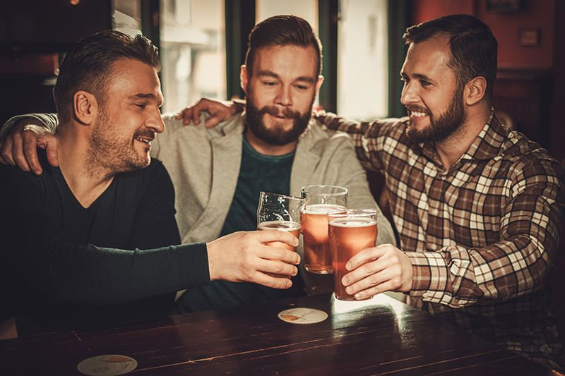 Top 10 Best Beer Gifts for Bachelors (2018)